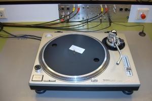 audiotronic-2008-12-003BCD701A0-A376-BBF5-8116-210BCEB494B9.jpg