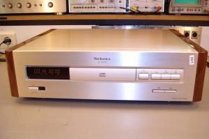audiotronic-2009-08-007-10241E7064B8-453A-6330-B00F-6DBBB148F816.jpg
