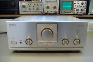 audiotronic-2009-09b-011E314687E-DC58-7AEB-8E8A-B0FF4D7E3326.jpg