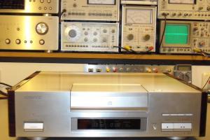 audiotronic-2009-09b-024-1024903D7332-8134-70F9-78EF-760C15F83874.jpg