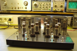 audiotronic-2011-11-0096ABA5BFA-C40A-5064-7CF4-5C61F85C665E.jpg