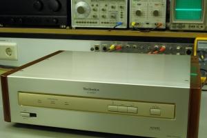 audiotronic-2011-12-004888916B6-20B6-C0FA-8982-7A0D013460EA.jpg